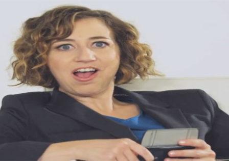 Kristen-Schaal-hairy-legs-xperia-play-promo